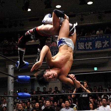 20120504ibushi..moonsaultpress
